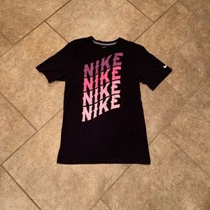 Nike top with pinks